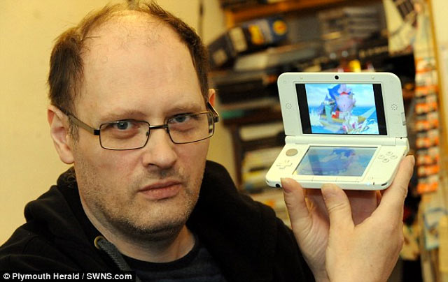 Man buys second-hand 3DS filled with porn