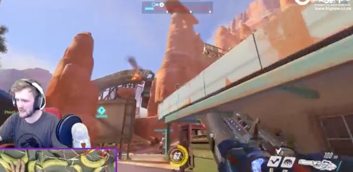Overwatch streamer uses bananas to play Winston. Yes, really